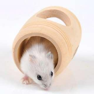 Hamster / rat wooden barrel toy