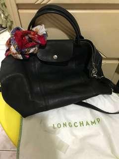 Longchamp 小羊皮 M 9成新 定期皮革保養 含運 意者傳細圖 黑色 經典色LONGCHAMP Le Pliage Cuir小羊皮短把折疊水餃包