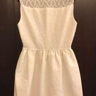 🚚 Zara米白色珍珠毛呢可愛小洋裝 S號