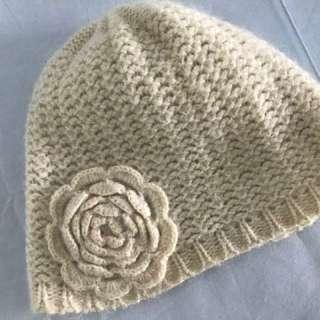 H&M米白色羊毛手織感小花毛帽