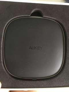 Aukey wireless charges