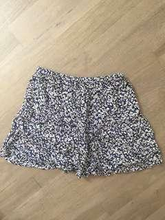Size small floral summer skirt excellent condition