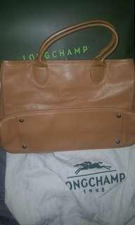 """法國造Longchamp 輭皮手挽袋。14""""闊!"""