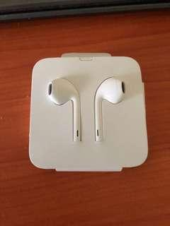 Iphone earpiece (lightning connector)