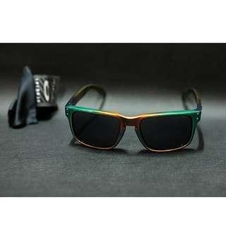Original kacamata Oakley Holbrook custom candy chrome lensa grey