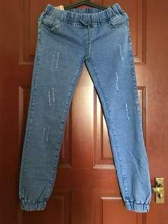 🚚 Denim Ripped Jeans