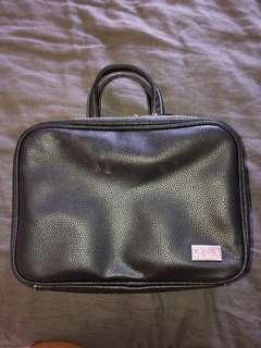 Zoeva make up bag