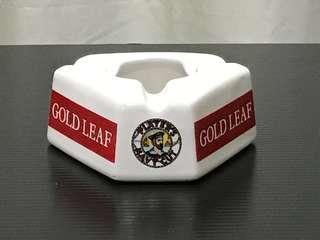 PLAYER'S NAVY CUT GOLD LEAF ASHTRAY (Free postage normal mail)