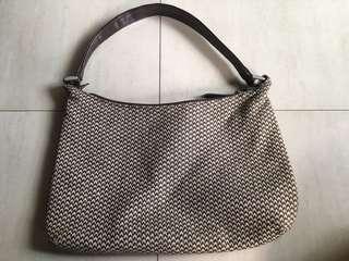 歐美簡約風馬鞍式手提肩背兩用扁包zara,mango,asos,accessories,H&M