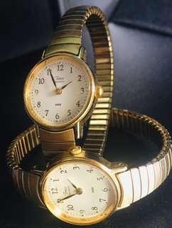 Jam tangan wanita Timex Gold plated model Gelang Flexible.