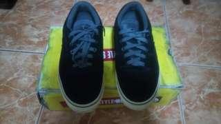 REPRICED! Vans Rowley Style 99's
