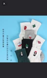 🚚 #082 instock !! minimlaist tumblr korean embroidery icons socks