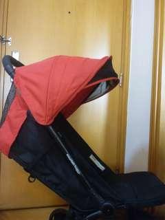Mountain buggy 8-9成新,可上飛機,連原裝袋