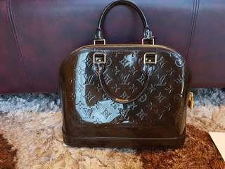 Authentic Louis Vuitton Alma Vernis PM