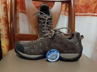 Repriced Columbia Redmond Waterproof low hiking shoes
