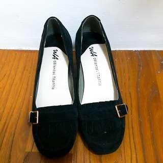 🚚 [二手/9.9成新] Oriental Traffic黑色高跟鞋-23