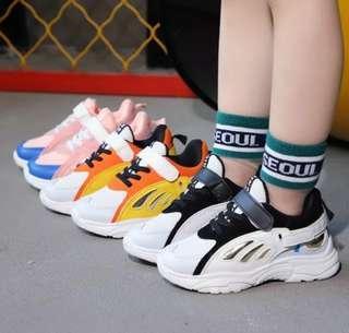 Sepatu Sport running velcro