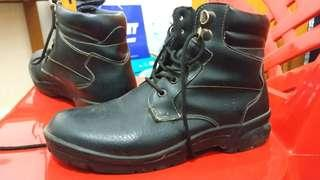 Sepatu Boots Safety Fladeo black