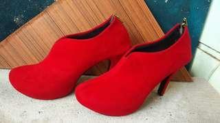 Heels (no barter)