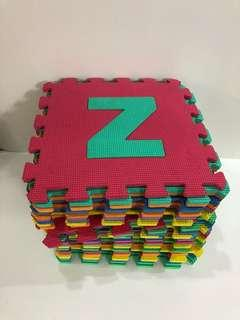 🚚 Baby A-Z puzzle mat