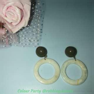 🚚 [In Stock] Ivory White Annuli Dangling Ear Studs Earrings