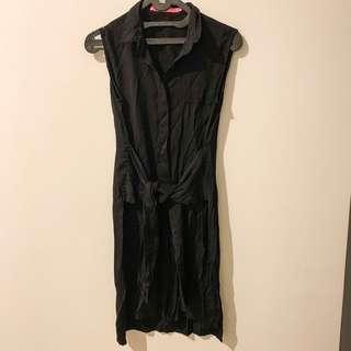 Dress unik, tali seperti lengan baju