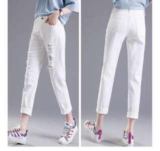 🚚 韓版時尚牛仔刷破長褲