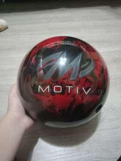 🚚 motiv bowling ball