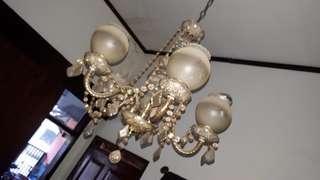 Lampu gantung model lama