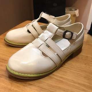 米白色娃娃鞋 36
