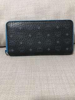 🚚 (Fast deal 250) Authentic MCM ZIPPY WALLET