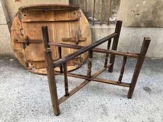 早期木圓桌
