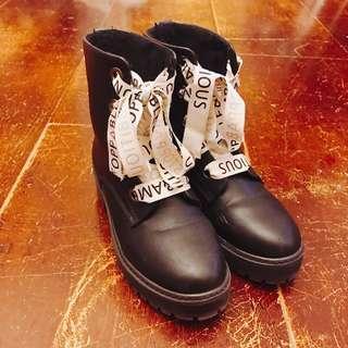 🚚 Zara字母刷毛雪靴