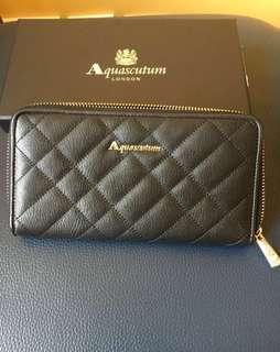 英國倫敦Aquascutum 真皮黑色格紋 長銀包 long wallet