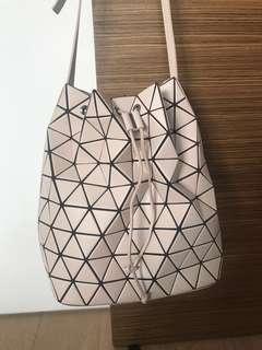 Bao Bao Issey Miyake - Matt pink Lander bucket bag 8d106b240400a