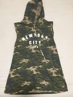Army-style camo / camouflage print short dress / top with hoodie