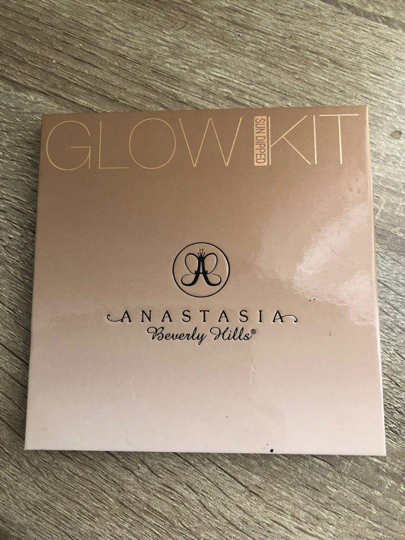 ABH GLOWKITS AND LIPSTICKS IF SOLD TODAY CAN $60 FOR EVERYTHING