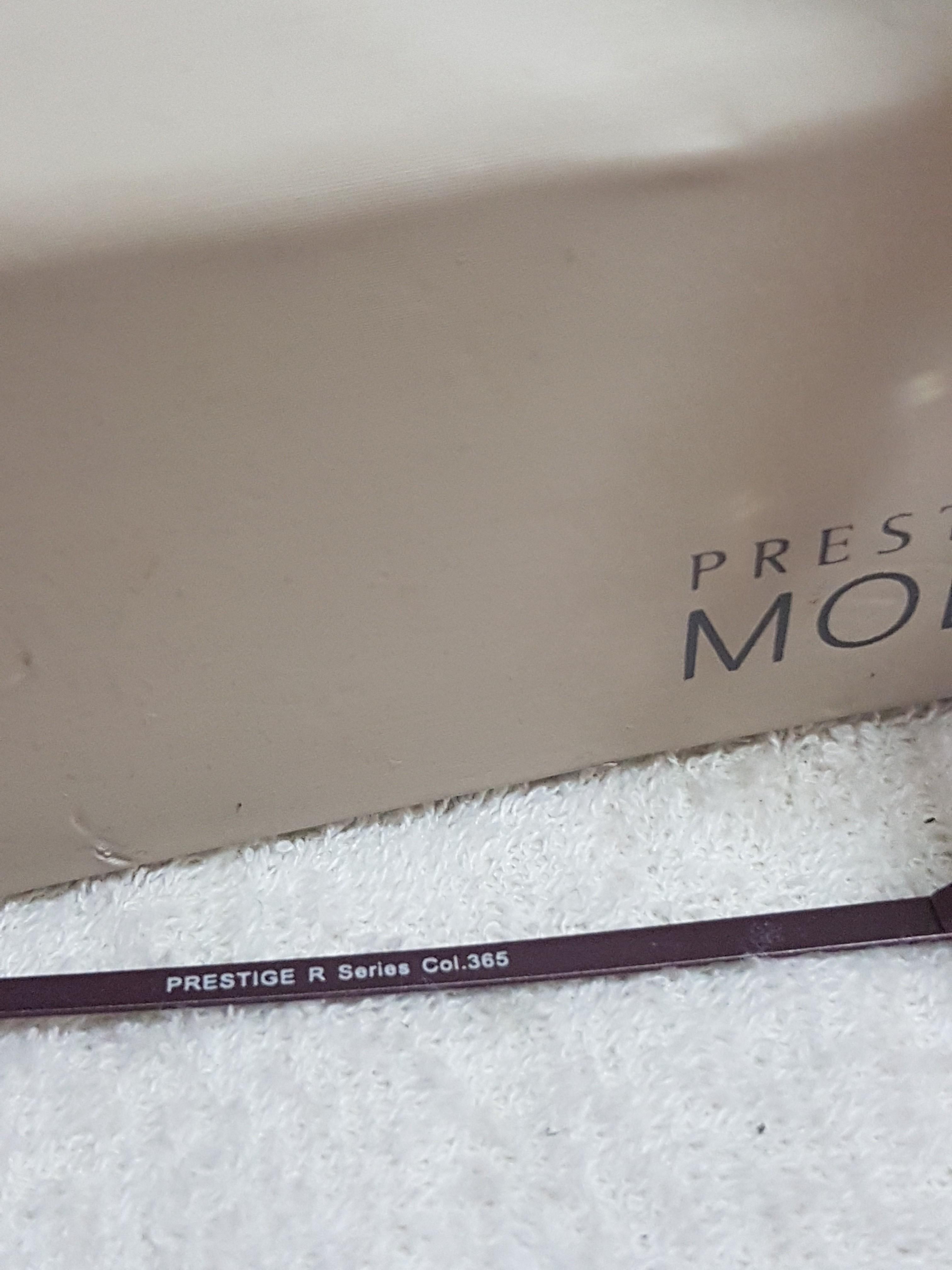 Authentic Prestige Moda Ultra-light Titanium Rimless Eyeglasses / Eye Wear / Spectacles