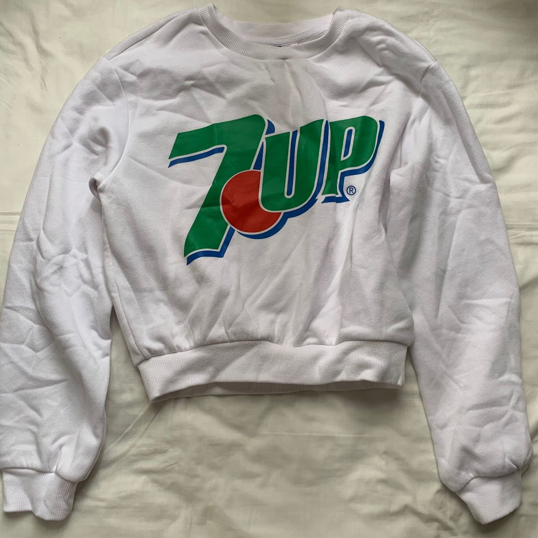 b022432b3687 H&M 7-up white cropped sweater, Women's Fashion, Clothes, Tops on ...