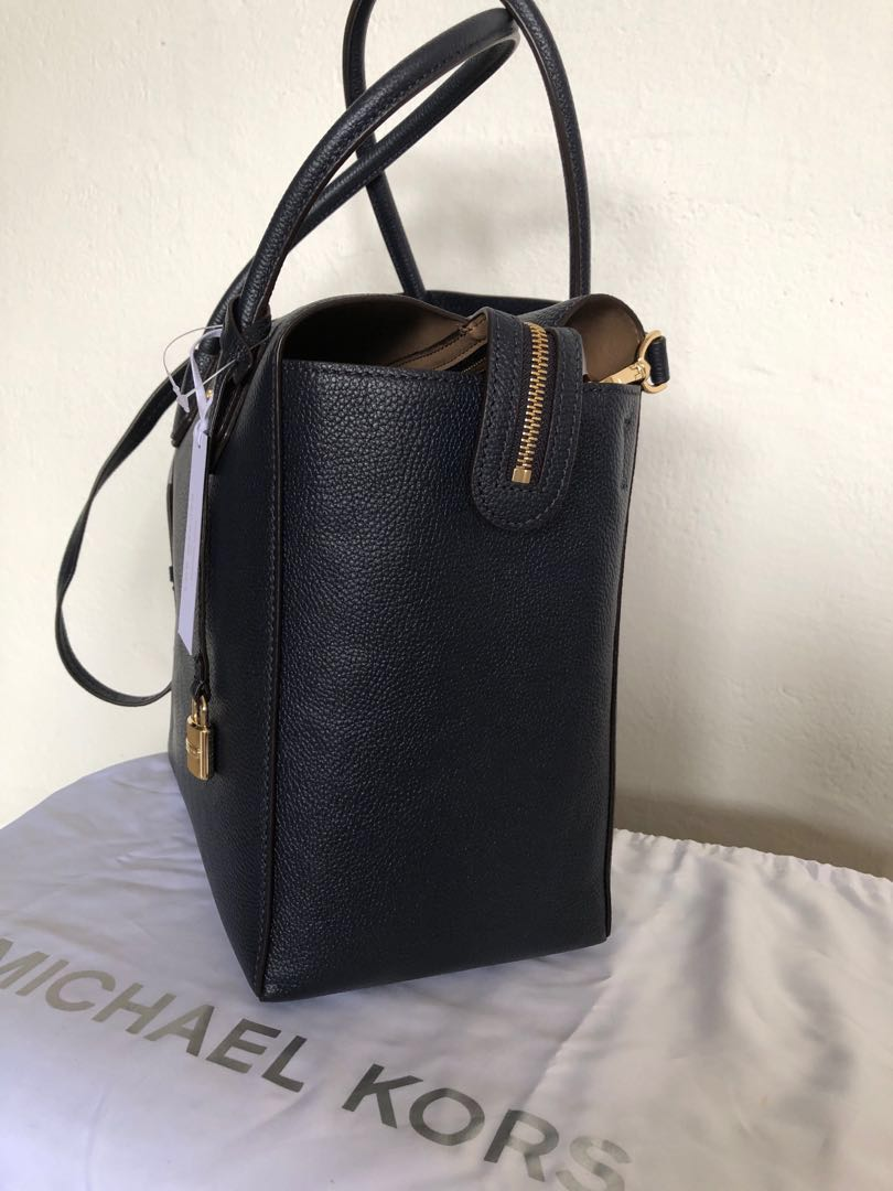 0b466359a913 Michael Kors Tote Mercer Lg Satchel Leather (Admiral), Luxury, Bags &  Wallets, Handbags on Carousell