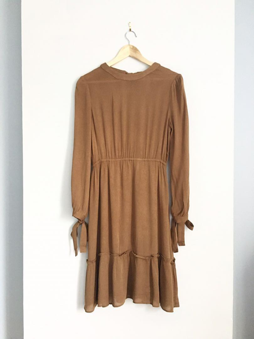 MOON RIVER new with tags camel dress Small