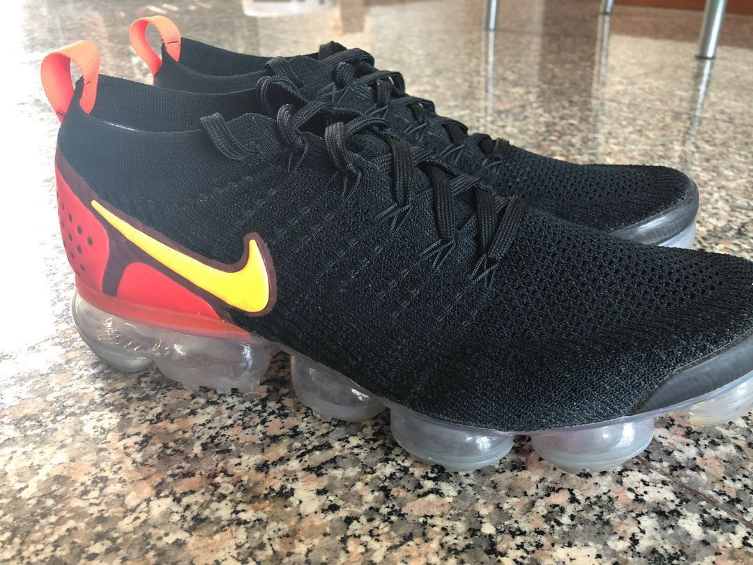 reputable site 01259 b1615 Nike Vapormax, black & orange, US10 - new codition