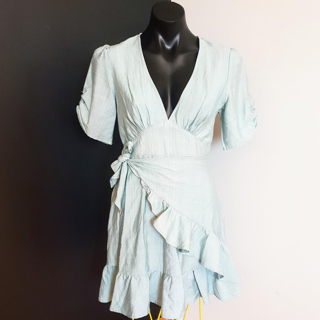 Women's Size 8 'SAINTS AND SECRETS' Stunning sage coloured apron dress - AS NEW