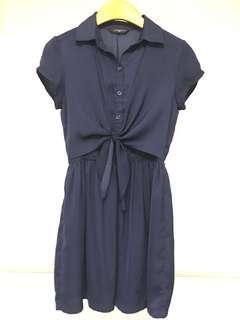Navy blue front-ribbon dress