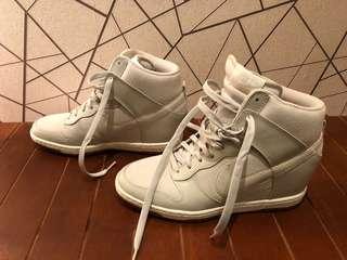 🚚 全新NIKE內增高高統鞋