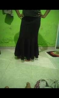 Rok duyung panjang hitam murah