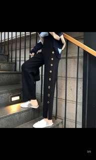 🚚 Button down pants