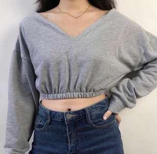 🚚 v-neck long sleeve sweater