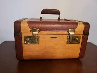 Vintage Makeup/Sewing Case