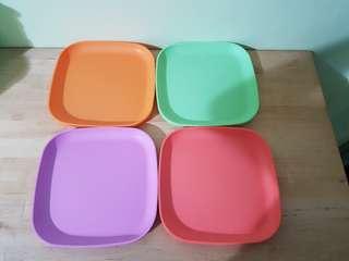 Tupperware Plates